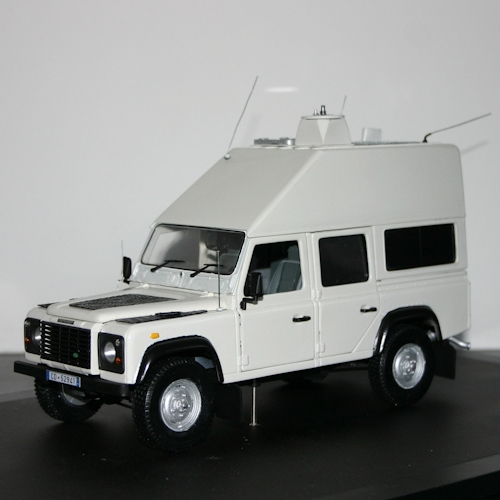 iz1pki-land-rover-defender